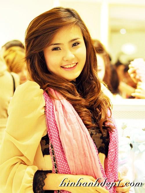 Hình hot girl cực xinh trên facebook đẹp dịu dàng 1
