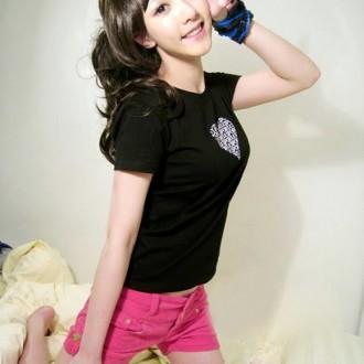 Hoa khôi Ding Ding, hotgirl Trung Quốc xinh như búp bê
