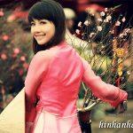 Ảnh nền thiếu nữ Việt diện áo dài ngày tết