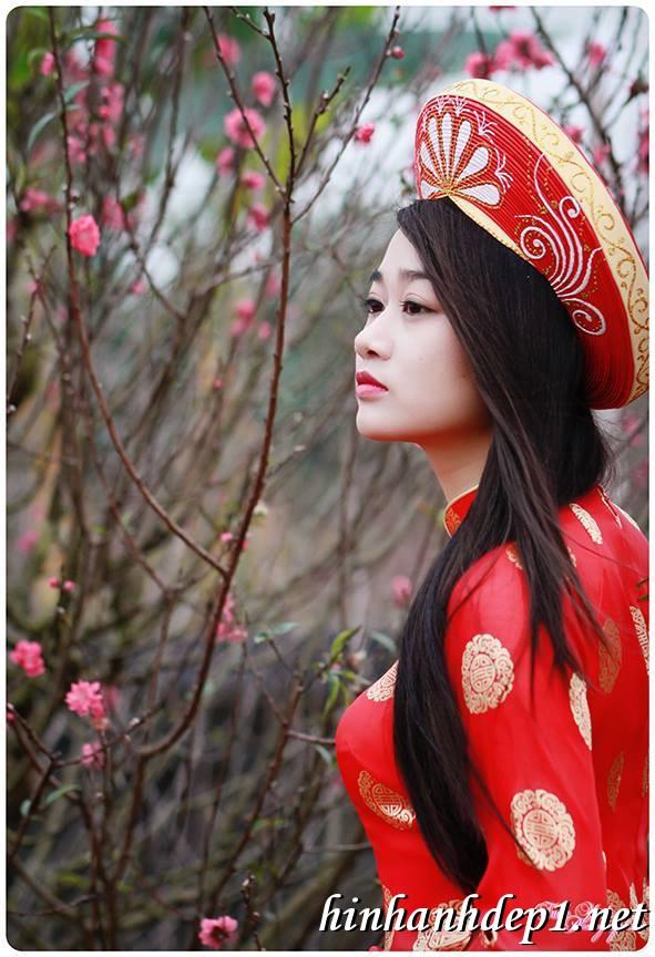 Ảnh nền thiếu nữ Việt diện áo dài ngày tết 5