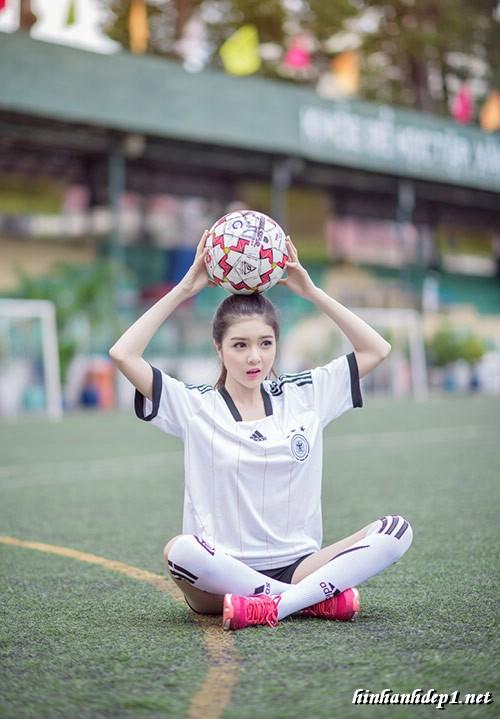 anh-hotgirl-lilly-luta-xinh-dep-trong-mua-world-cup (3)