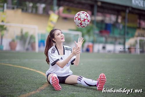 anh-hotgirl-lilly-luta-xinh-dep-trong-mua-world-cup (6)