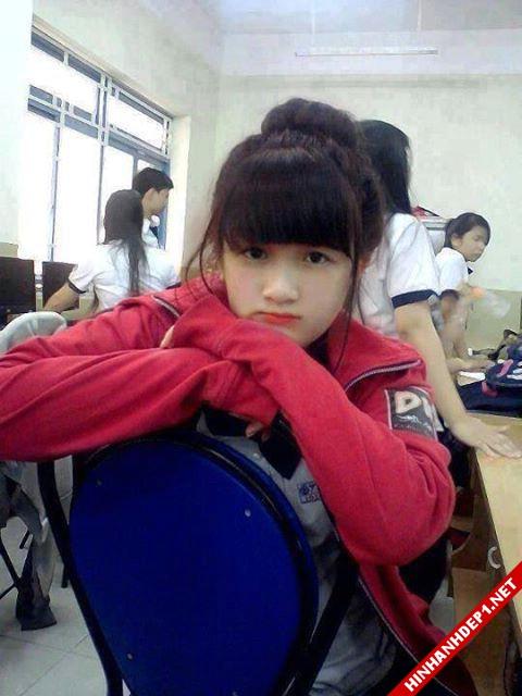 soi-dong-cung-world-cup-voi-hinh-anh-de-thuong-cua-cac-hotgirl (13)