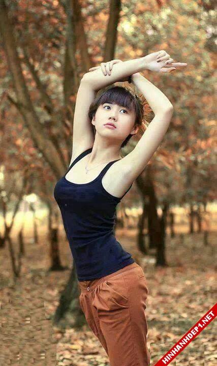 soi-dong-cung-world-cup-voi-hinh-anh-de-thuong-cua-cac-hotgirl (14)