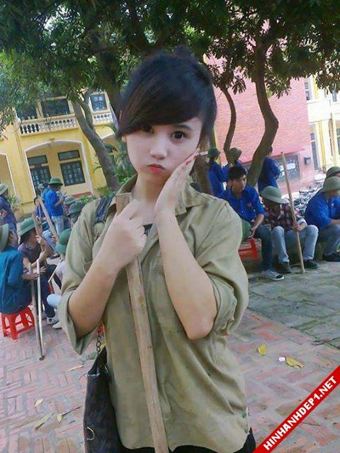 soi-dong-cung-world-cup-voi-hinh-anh-de-thuong-cua-cac-hotgirl (15)