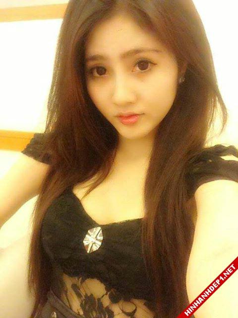 soi-dong-cung-world-cup-voi-hinh-anh-de-thuong-cua-cac-hotgirl (17)