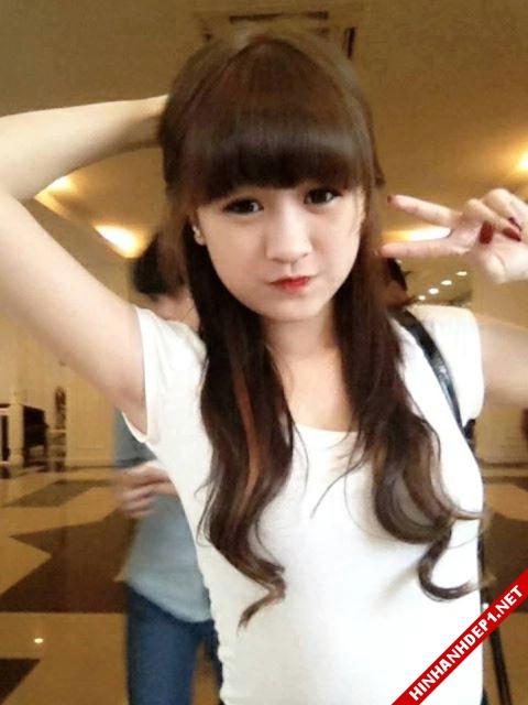 soi-dong-cung-world-cup-voi-hinh-anh-de-thuong-cua-cac-hotgirl (3)
