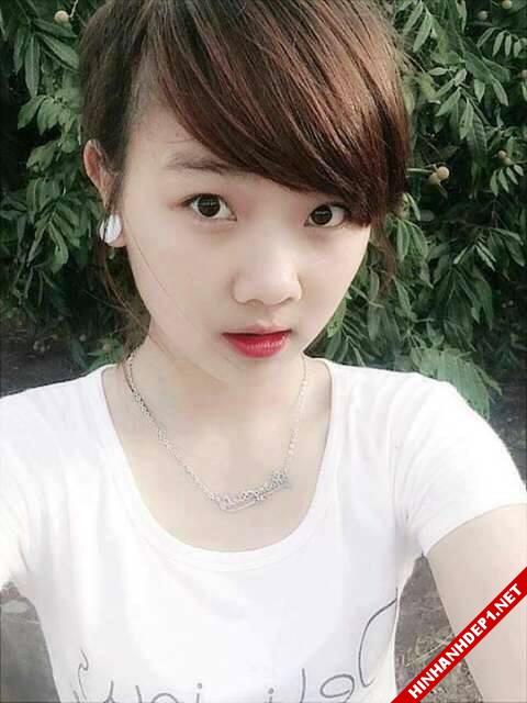 soi-dong-cung-world-cup-voi-hinh-anh-de-thuong-cua-cac-hotgirl (4)