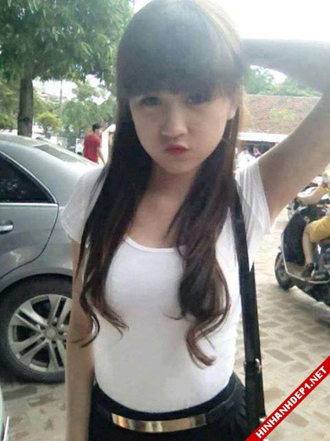 soi-dong-cung-world-cup-voi-hinh-anh-de-thuong-cua-cac-hotgirl (8)