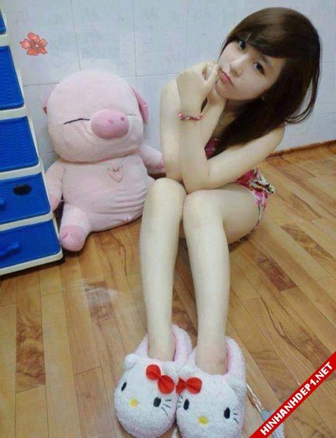soi-dong-cung-world-cup-voi-hinh-anh-de-thuong-cua-cac-hotgirl (9)