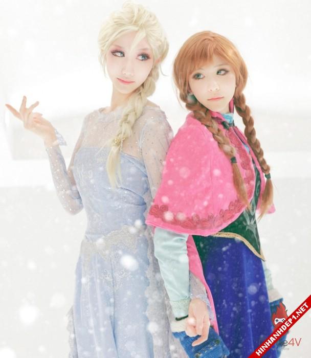 phim-frozen-va-hinh-anh-nu-cosplay-xinh-dep (13)