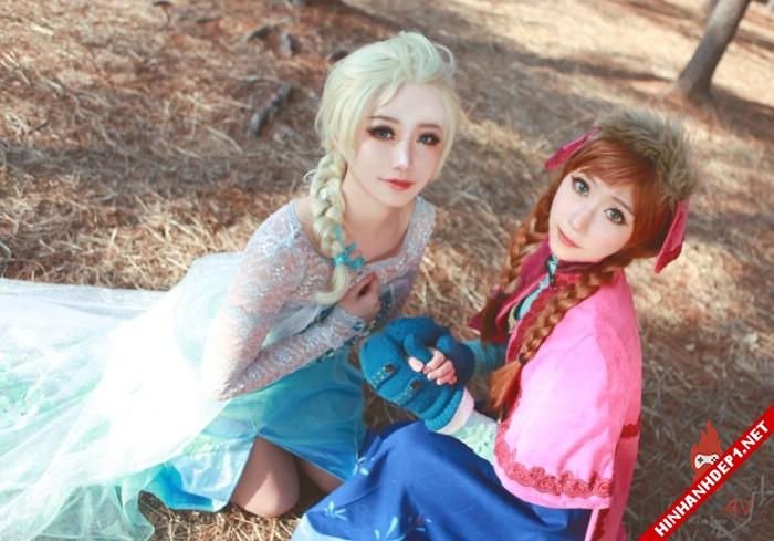 phim-frozen-va-hinh-anh-nu-cosplay-xinh-dep (14)