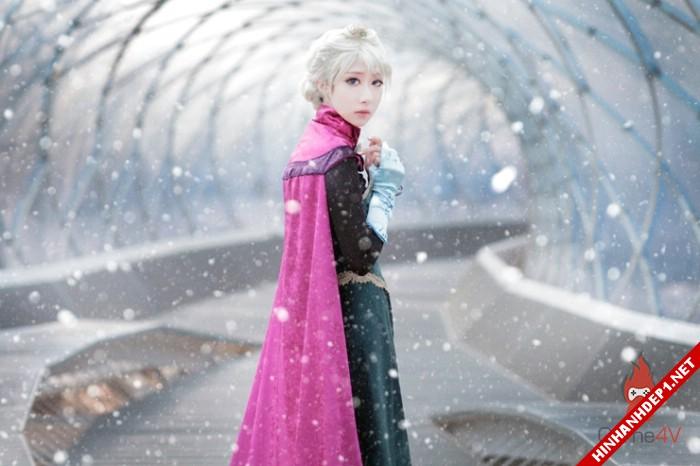 phim-frozen-va-hinh-anh-nu-cosplay-xinh-dep (16)