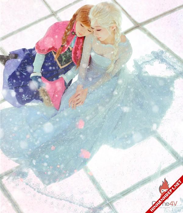 phim-frozen-va-hinh-anh-nu-cosplay-xinh-dep (18)