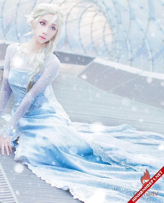 phim-frozen-va-hinh-anh-nu-cosplay-xinh-dep (19)
