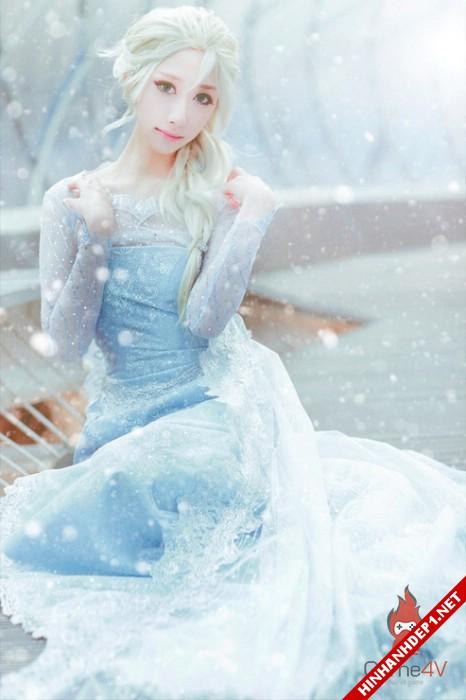 phim-frozen-va-hinh-anh-nu-cosplay-xinh-dep (2)