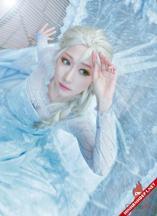 phim-frozen-va-hinh-anh-nu-cosplay-xinh-dep (3)