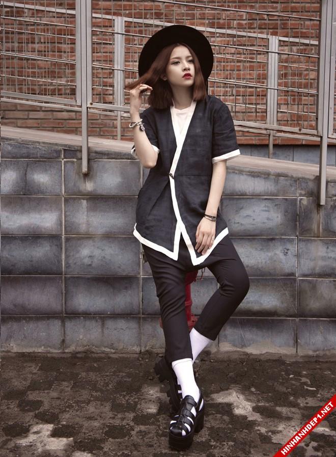 hotgirl-chipu-voi-style-ao-xuyen-thau-vua-quyen-ru-vua-ca-tinh (2)