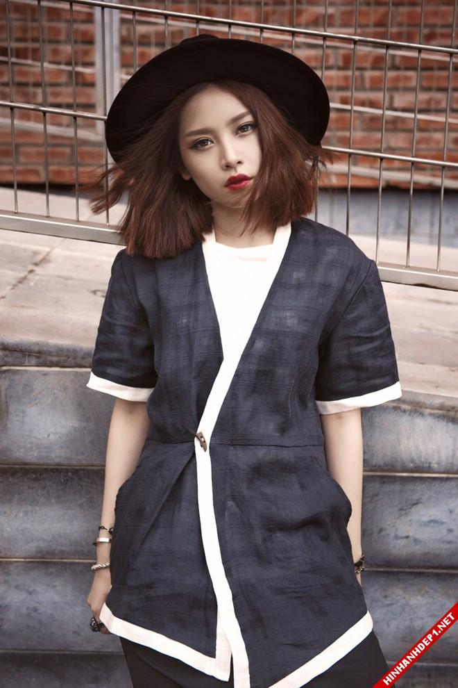 hotgirl-chipu-voi-style-ao-xuyen-thau-vua-quyen-ru-vua-ca-tinh (3)
