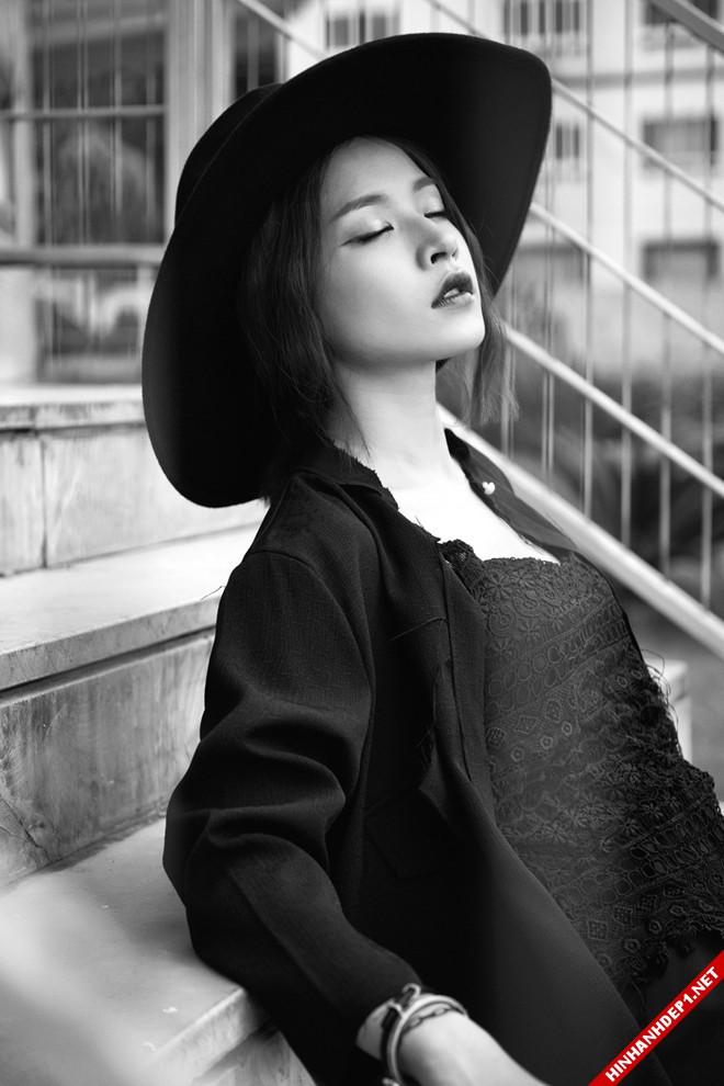 hotgirl-chipu-voi-style-ao-xuyen-thau-vua-quyen-ru-vua-ca-tinh (6)