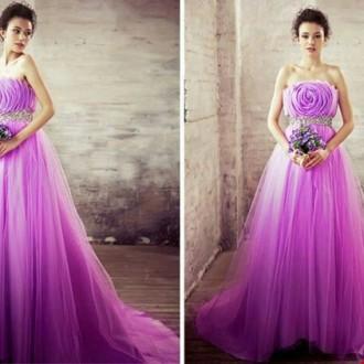 Những mẫu áo cưới màu tím đẹp cho mùa đông