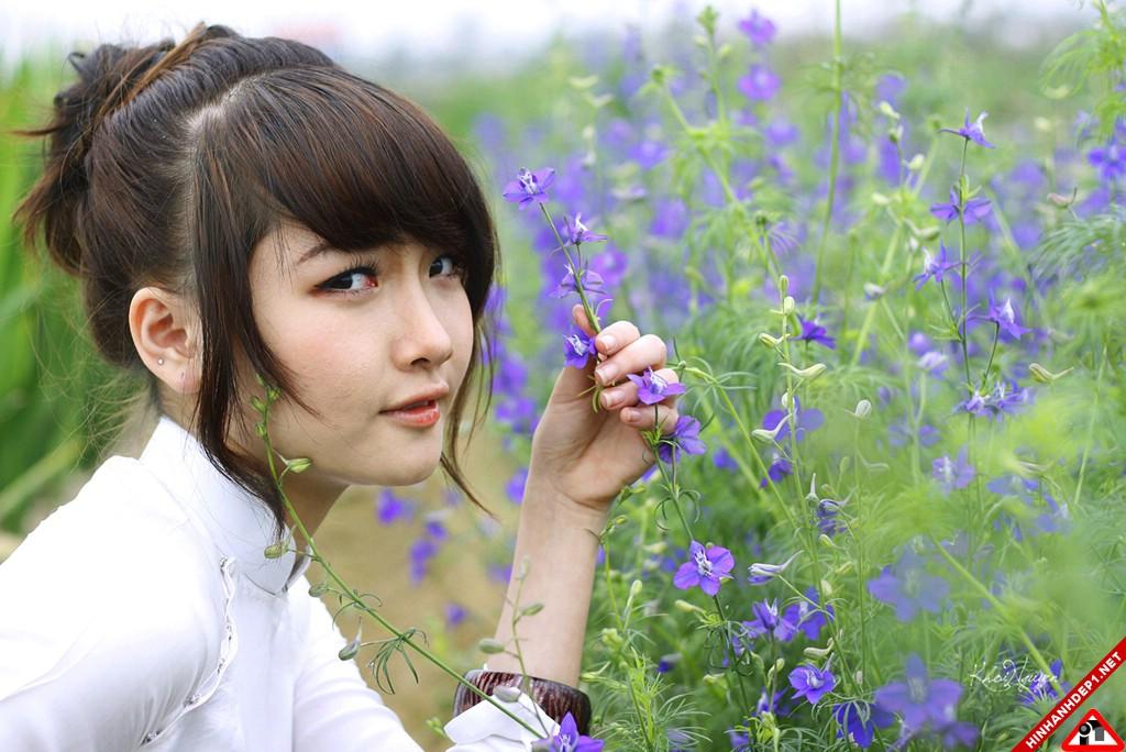 bo-anh-girl-xinh-cung-huong-dong-gio-noi (1)