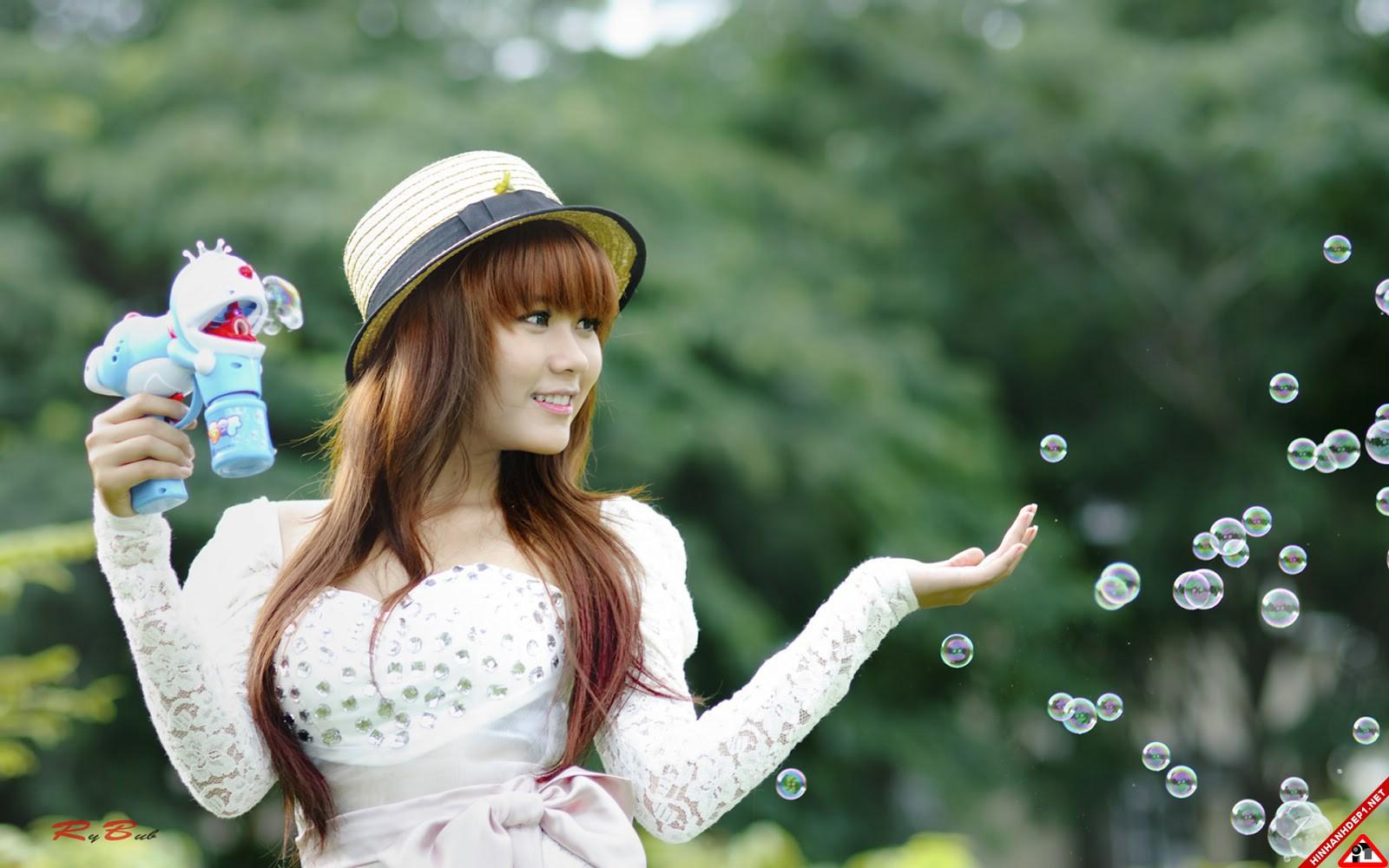 bo-anh-girl-xinh-cung-huong-dong-gio-noi (7)