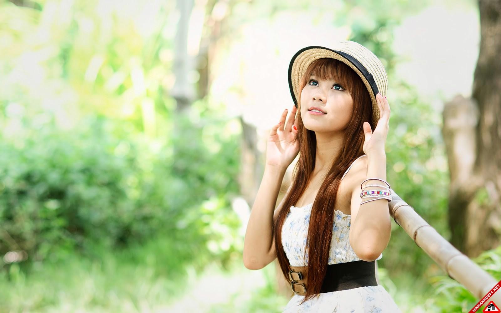 bo-anh-girl-xinh-cung-huong-dong-gio-noi (8)