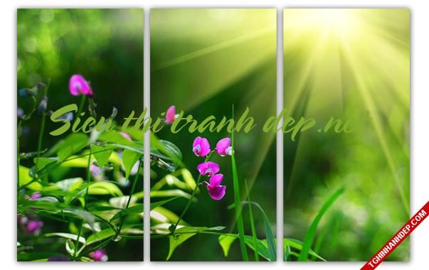Gợi ý trang trí phòng khách đẹp với tranh treo tường hình hoa