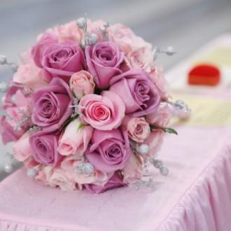 Những mẫu hoa cưới đẹp nhất từ hoa hồng cho ngày cưới