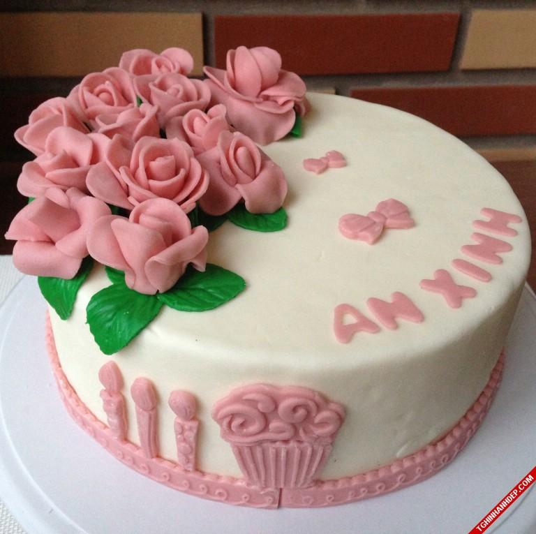 Gợi ý món quà 8-3 ý nghĩa với bánh kem ngọt ngào