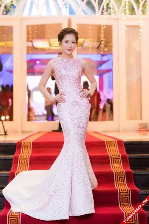Ngắm nhìn Hot girl Chi Pu trong trang phục dạ hội