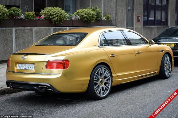 Đã mắt với những siêu xe mạ vàng trên đường phố