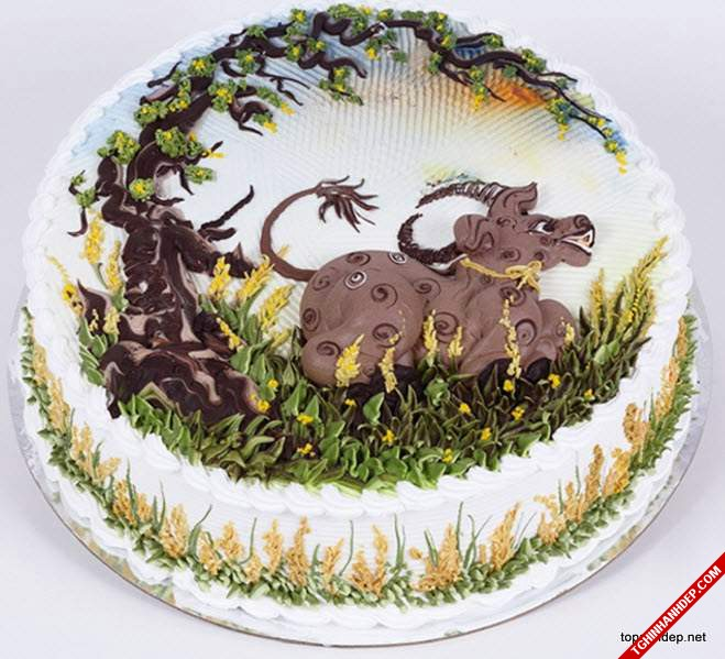 Mẫu bánh sinh nhật 3D hình chú trâu bên gốc cây