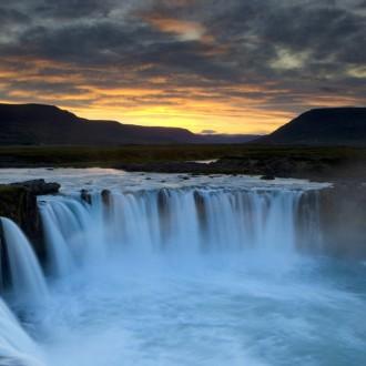 Tải ảnh nền đẹp về những thác nước đẹp nhất trên thế giới