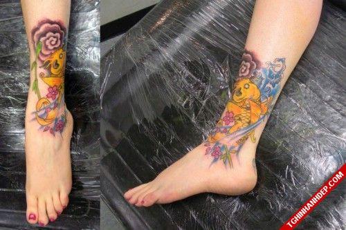 Hình ảnh xăm cá chép ở chân đẹp cho nữ