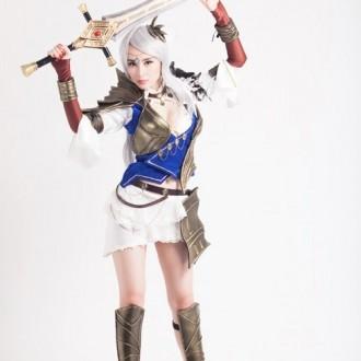 Ngắm bộ ảnh đầy quyến rũ của Angela Phương Trinh trong trang phục cosplay