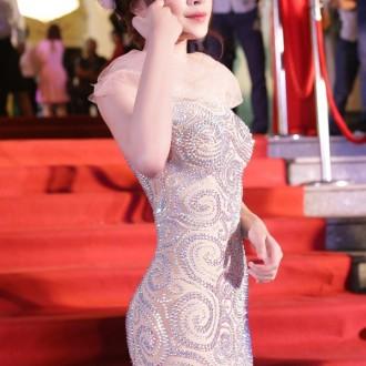 Ngắm hình ảnh Chi Pu qua những bộ trang phục đa phong cách